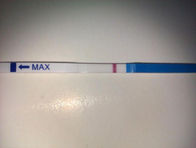 тест на беременность фото 2 полоска слабая фото